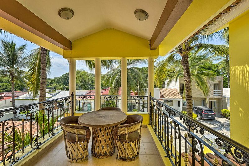 NEW! Serene Mezcales Home w/Private Terrace & Pool, location de vacances à Mezcales