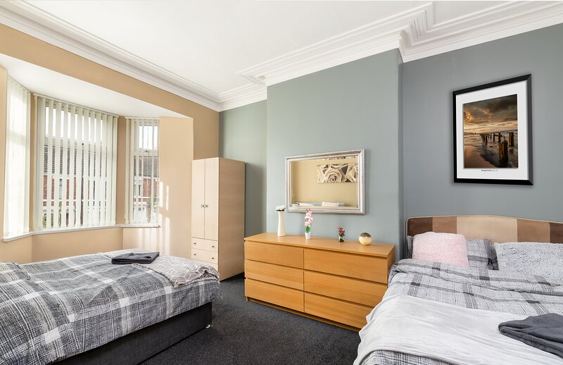 Hartington Street Newcastle City Apartment, holiday rental in Burnopfield