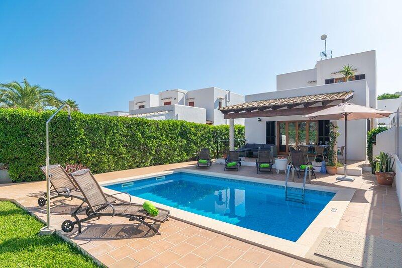 CASA HECTOR - Villa for 6 people in Cala D'Or, holiday rental in Cala Serena