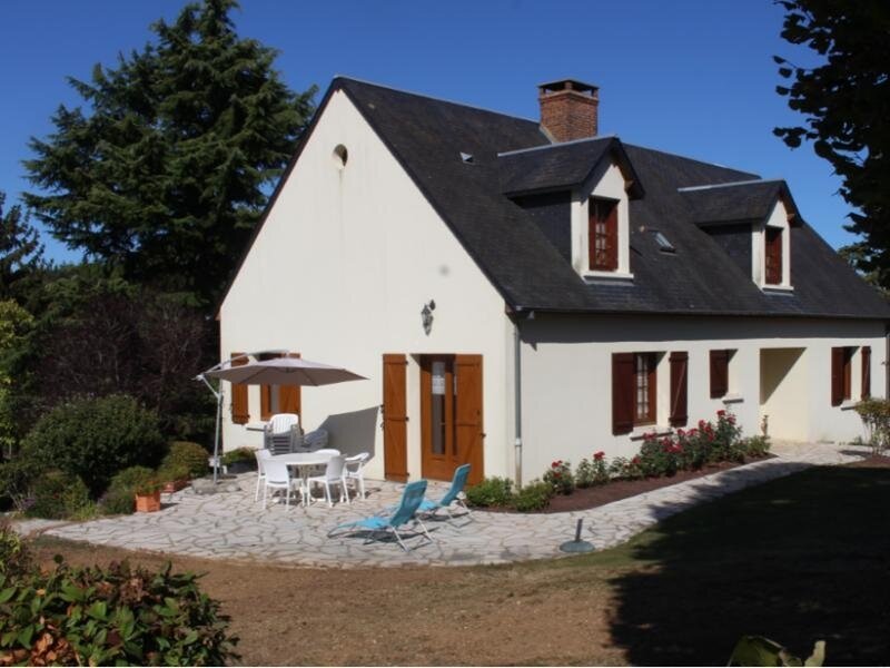 Location Gîte Conflans-sur-Anille, 6 pièces, 11 personnes, holiday rental in Saint-Jean-des-Echelles