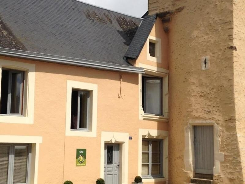 Gîte de la tour, holiday rental in Torce-Viviers- en-Charnie
