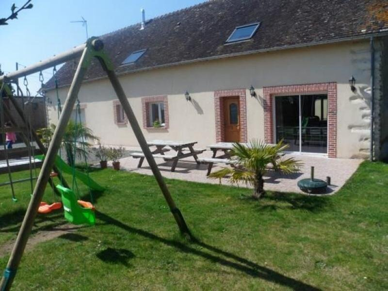 Location Gîte Changé, 5 pièces, 13 personnes, holiday rental in Yvre-l'Eveque