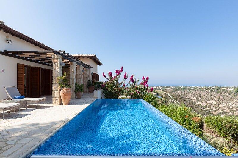 Aphrodite Hills 2 Bedroom Villa - Kleitos, alquiler vacacional en Kouklia