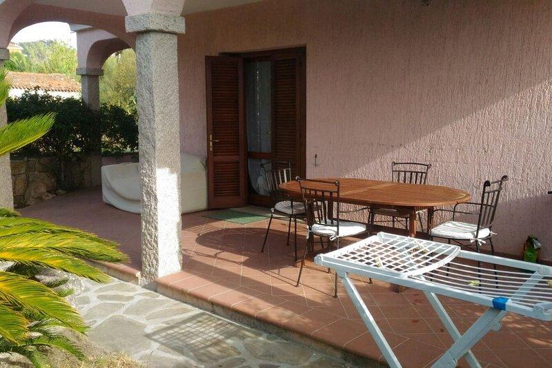 Appartamenti San Teodoro VII con BBQ e WIFI, vacation rental in Suaredda-Traversa