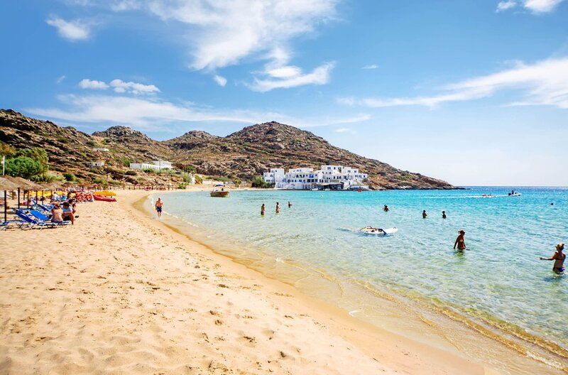 Ios Cycladic Seafront Suites - Premium Suite, holiday rental in Yialos