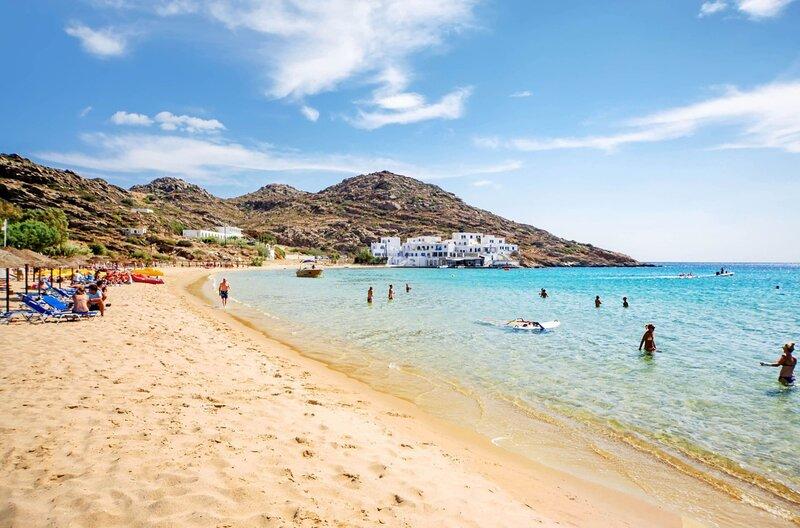 Ios Cycladic Seafront Suites - Premium Suite, holiday rental in Milopotas