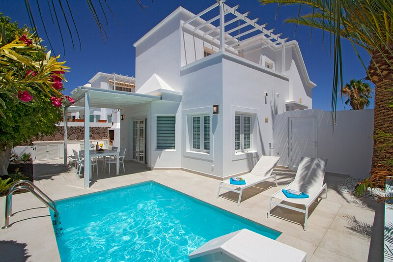 Casa Charlana detached 2 bedroom villa with private pool, vakantiewoning in Lanzarote