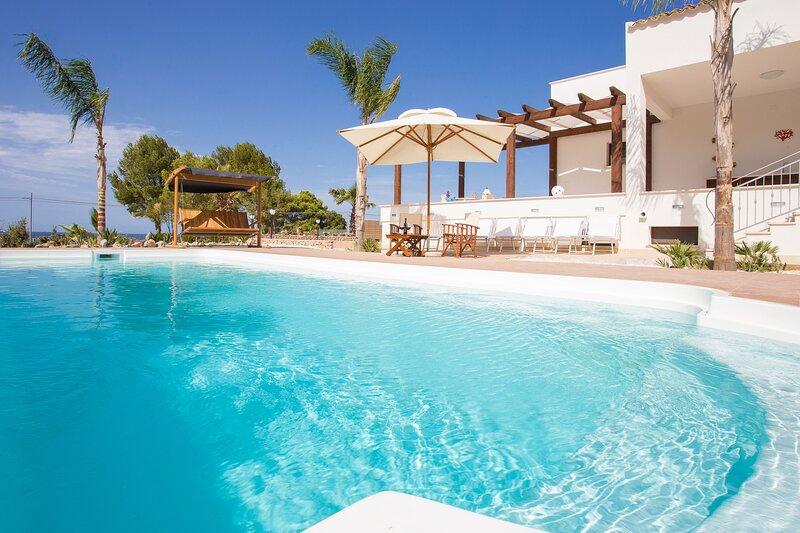 Villa Aronica, location de vacances à Zarbo di Mare