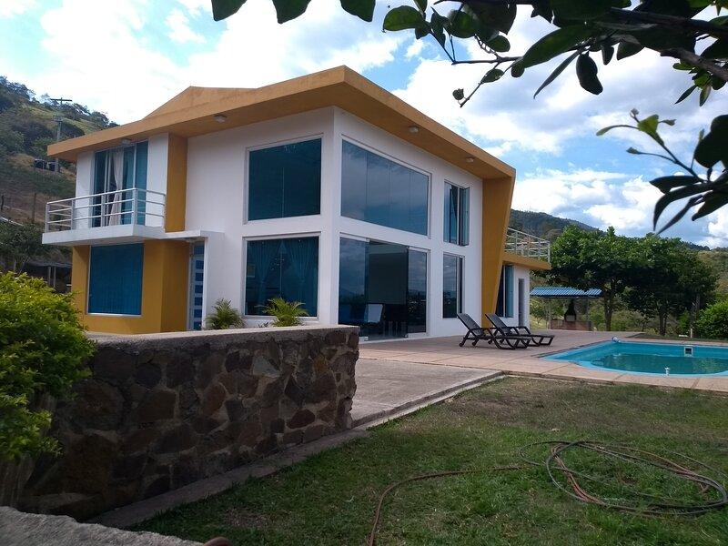 ALQUILER CASA VILLAJUANDA HERMOSA QUINTA DESCANSO, CERCA A BOGOTÁ, alquiler de vacaciones en San Juan de Rioseco