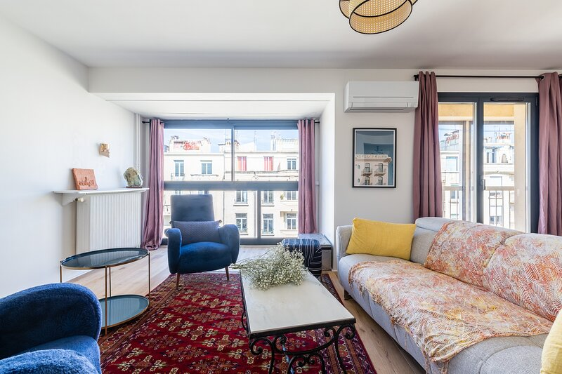 Mimi · Bel appartement climatisé avec vue sur Notre Dame, refait à neuf, location de vacances à Marseille