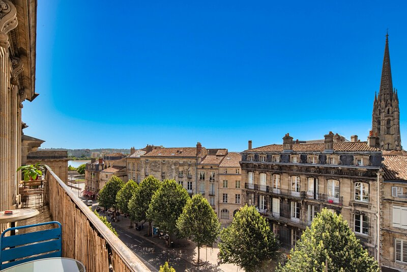 LE VICTOR - Grand et lumineux T3, holiday rental in Cenon