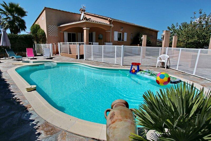 Di Felicita - Villa avec piscine et proche plage, holiday rental in Eccica-Suarella