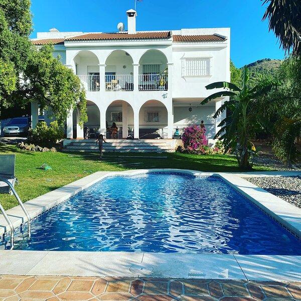 Villa Las Mañanas. 10 Huéspedes Privada. Alhaurin de la Torre ( Málaga), holiday rental in Pinos de Alhaurin