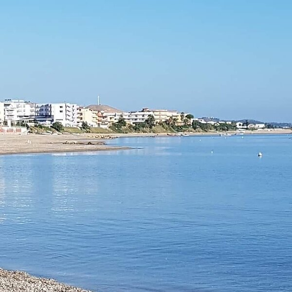 Nice apartment with sea view & Wifi, holiday rental in Caccuri