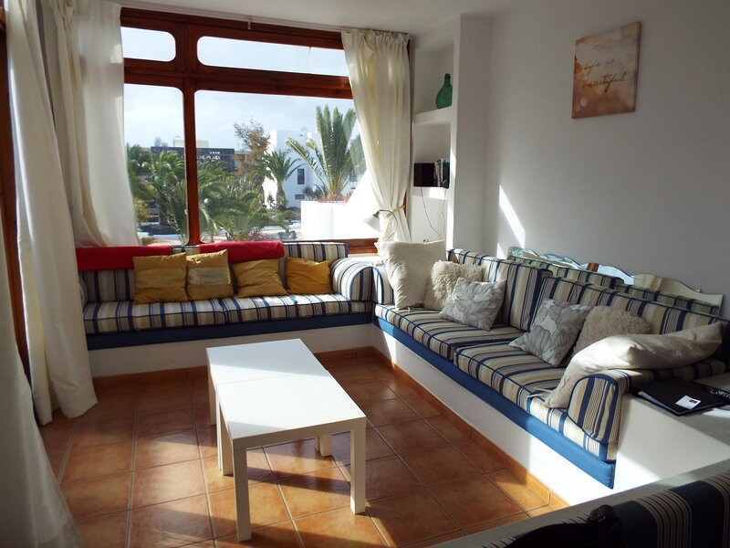 Los Molinos fabulous holiday apartment, vacation rental in Costa Teguise