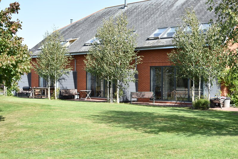 Kiddicott Farm Cottages, vacation rental in Woodbury Salterton