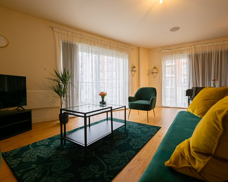 Suites by Rehoboth ★ RAF Museum ★ Beaufort Park, Ferienwohnung in North Finchley