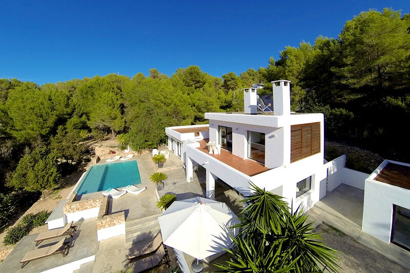Villa - 4 Bedrooms with Pool, WiFi and Sea views - 108700, alquiler vacacional en Sant Agustí des Vedrà