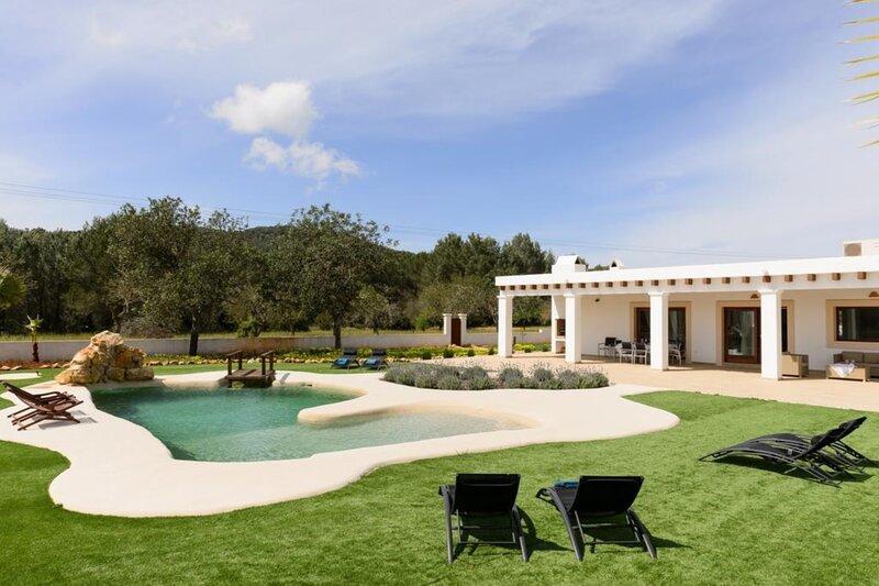 Villa - 4 Bedrooms with WiFi - 108694, alquiler vacacional en San Lorenzo