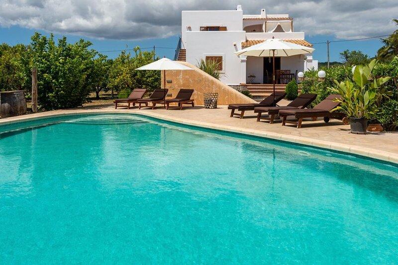 Villa - 4 Bedrooms with Pool and WiFi - 108692, location de vacances à Nuestra Senora de Jesus