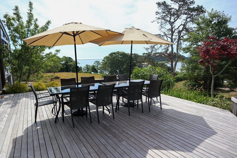 Serene Seclusion with Sandy Beach, Water Views, Handy Hiking Trails 047-OH, holiday rental in South Orleans