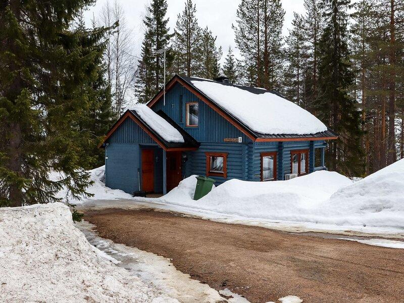Luppohalla mökki, holiday rental in Komula
