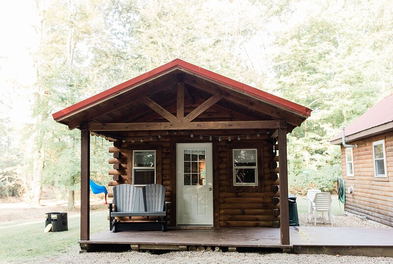 Fire Pit Private Cabins Retreat In The Woods!, holiday rental in Millersburg
