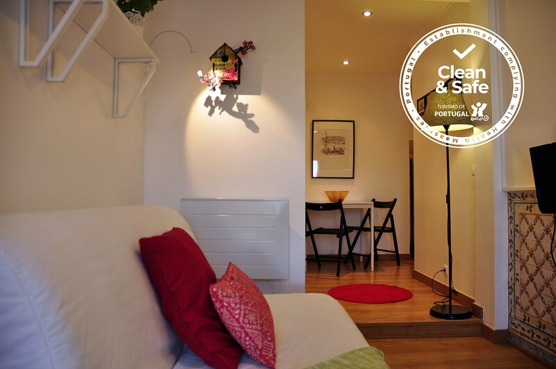 Alfama District Apartments - Sé, location de vacances à Barreiro