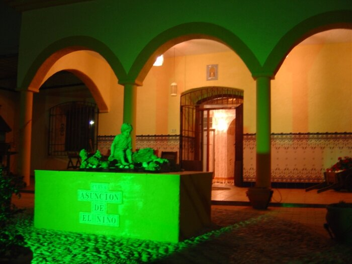 EL NIÑO CAVE HOTEL in the heart of UNESCO-GRANADA GEOPARK., vacation rental in Cuevas del Campo