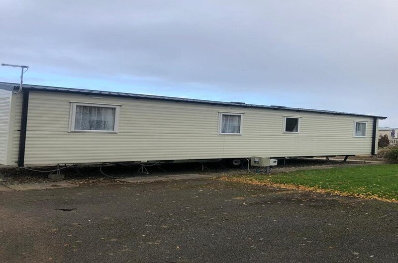 Brilliant caravan for hire at Southview Holiday Park near Skegness ref 33010S, holiday rental in Friskney
