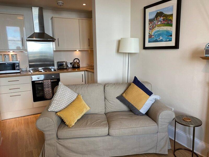 Aviemore 2 bedroom beachfront  apartment North Berwick, vacation rental in North Berwick