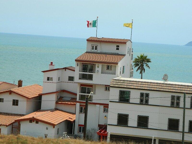 Penthose de Don Mike, vacation rental in San Antonio del Mar