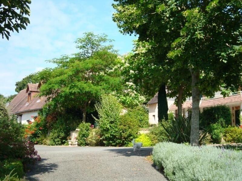Location Gîte Chemiré-le-Gaudin, 5 pièces, 12 personnes, holiday rental in La Suze-sur-Sarthe