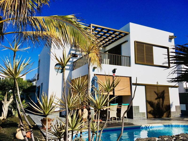 Villa - 2 Bedrooms with Pool and WiFi - 108705, vacation rental in Teguise