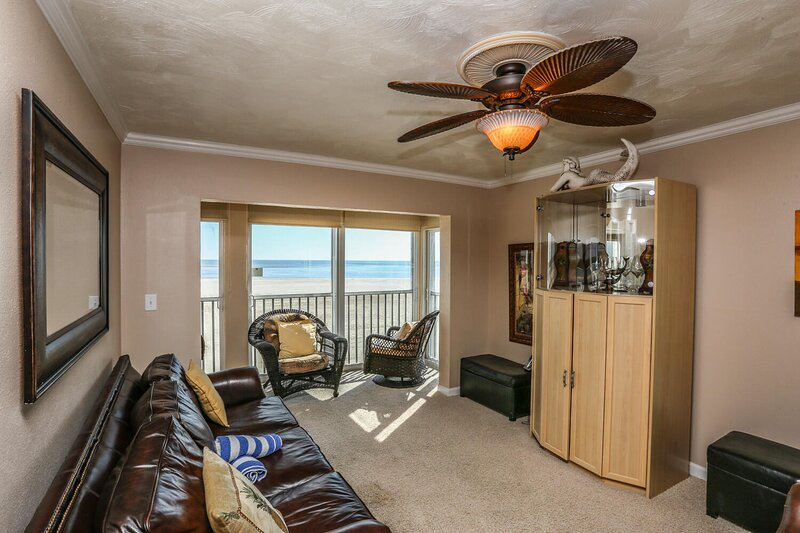 Castle Beach 406 is one of the ultimate vacation experiences on Fort Myers, vacation rental in Survey Creek