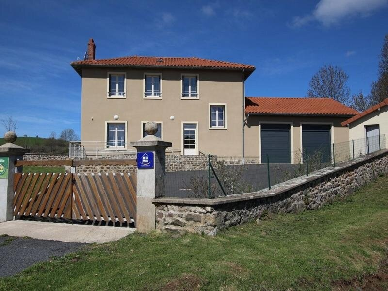 Gîte de Coulombs, holiday rental in Le Bouchet St Nicolas