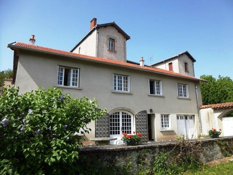 Gîte au centre d'Allègre, holiday rental in Sembadel