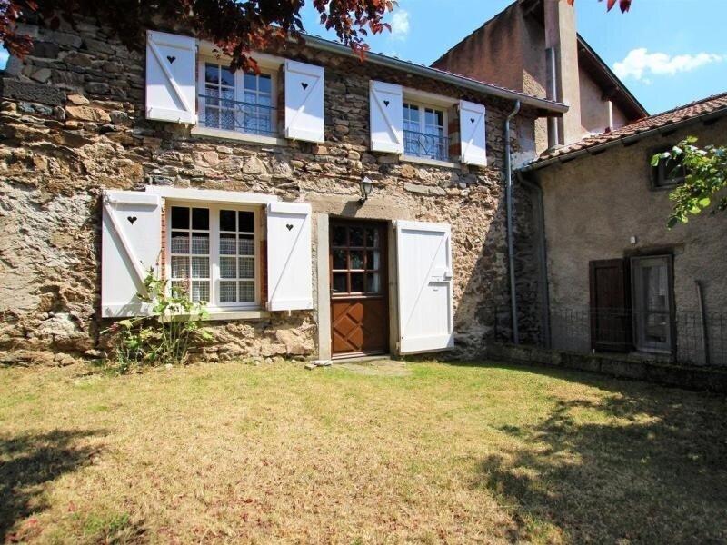 La Petite Maison, location de vacances à Saint-Beauzire