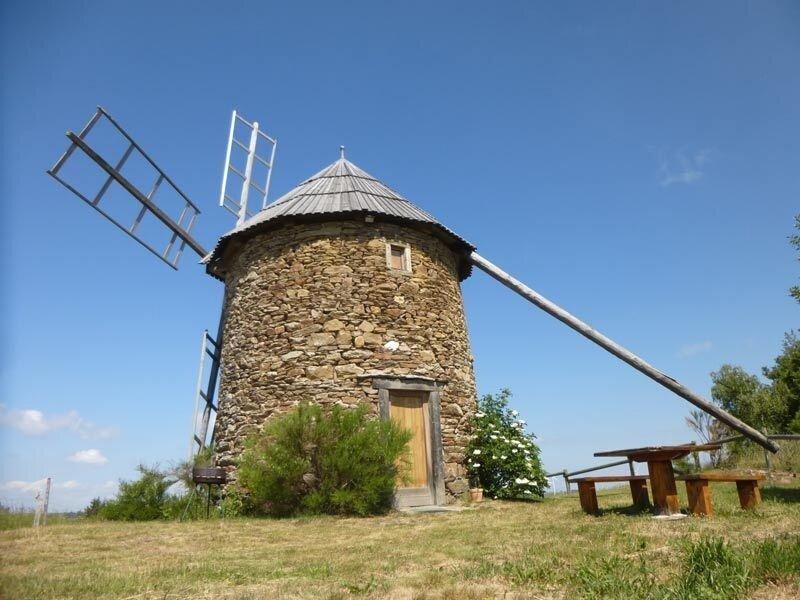 Les Moulins d'Ally 1, location de vacances à Saint-Beauzire