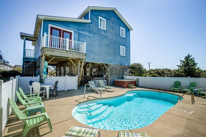 Pelican's Paradise | 150 ft from the beach | Private Pool, Hot Tub | Nags Head, location de vacances à Nags Head