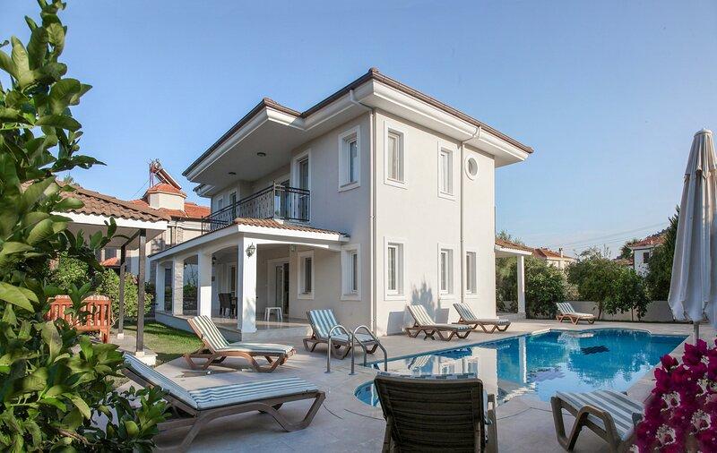 Villa Kagan : Private Pool Villa Near the Canal, holiday rental in Koycegiz