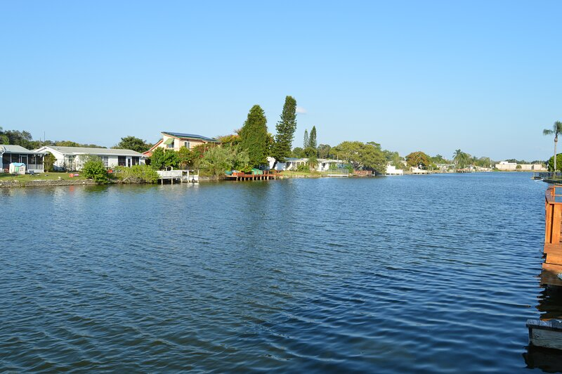 2 Bedroom waterfront vacation retreat, holiday rental in Holiday