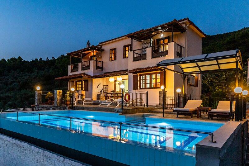 Villa Peparethos, holiday rental in Stafylos