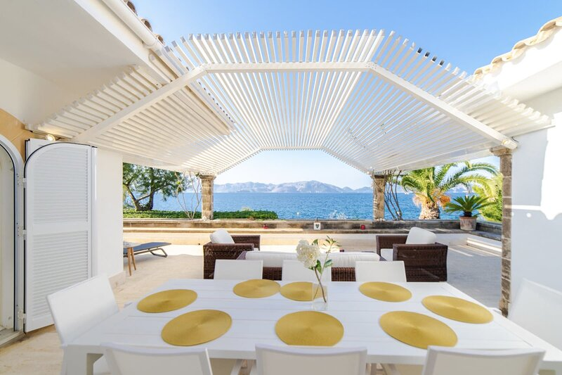 CAN RAMIS -  Seafront house with panoramic views., casa vacanza a Mal Pas