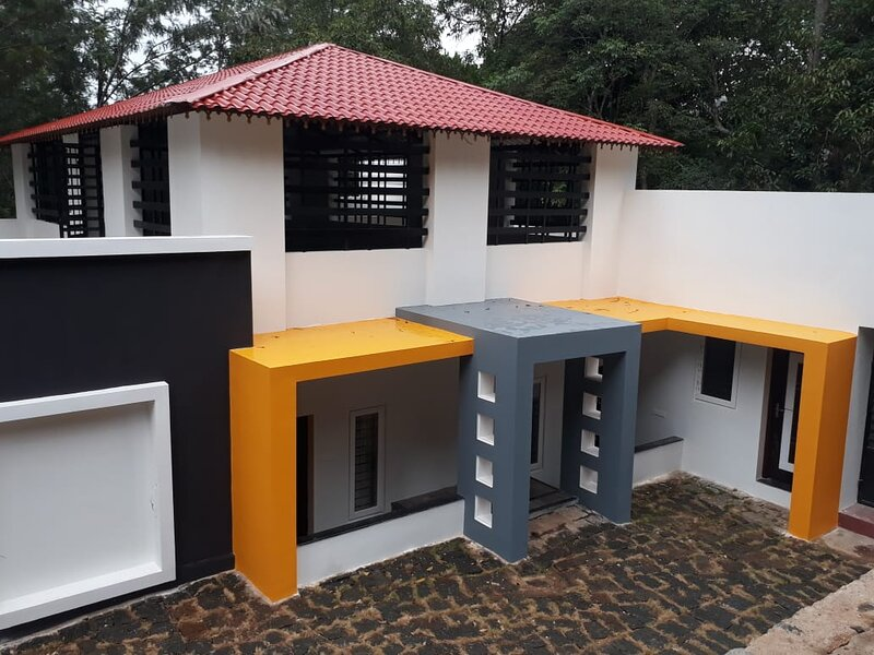 Impeccable 3-Bed Cottage in Sirumalai, vakantiewoning in Dindigul District