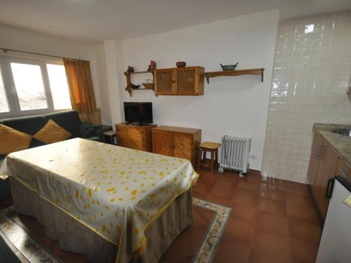 Mont Blanc building apartment with Terrace, alquiler de vacaciones en Pradollano