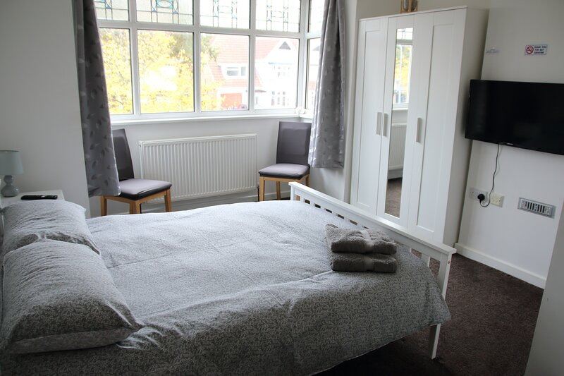 Dbl Bed Ensuite WiFi Netflix B'ham (Flat 3), casa vacanza a Kings Norton