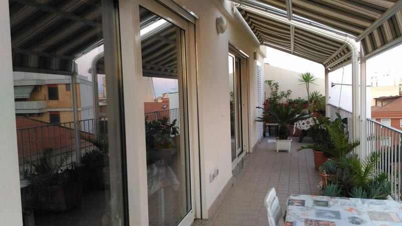Alghero Sardinia holidays apartment see view wifi, holiday rental in Alghero