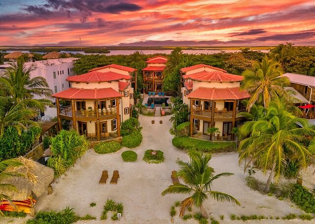 Gold Standard! Entire Luxury 3 Villa Enclave For Large Groups, holiday rental in Ambergris Caye