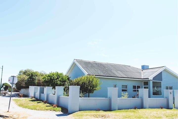 Wave n' Sea, holiday rental in Saldanha